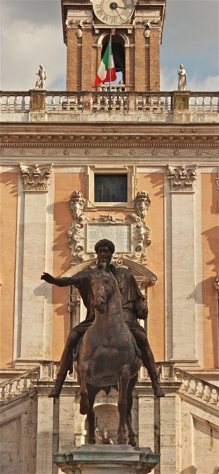 The bronze equestrian statue of Marcus Aurelius in the center of the Piazza is a replica, the real one was moved inside the Palazzo Nuovo in 1981 for preservation from the elements.